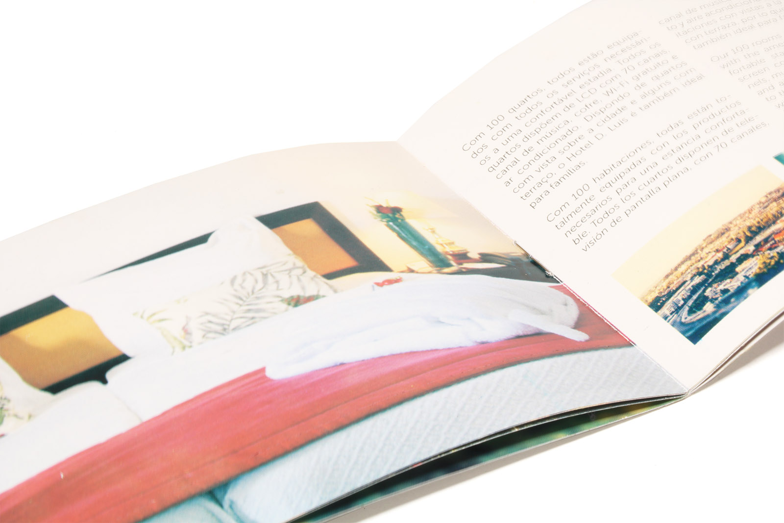 revista pequena aberta